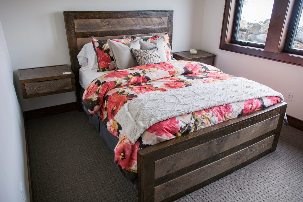 urban-rustic-wood-bed