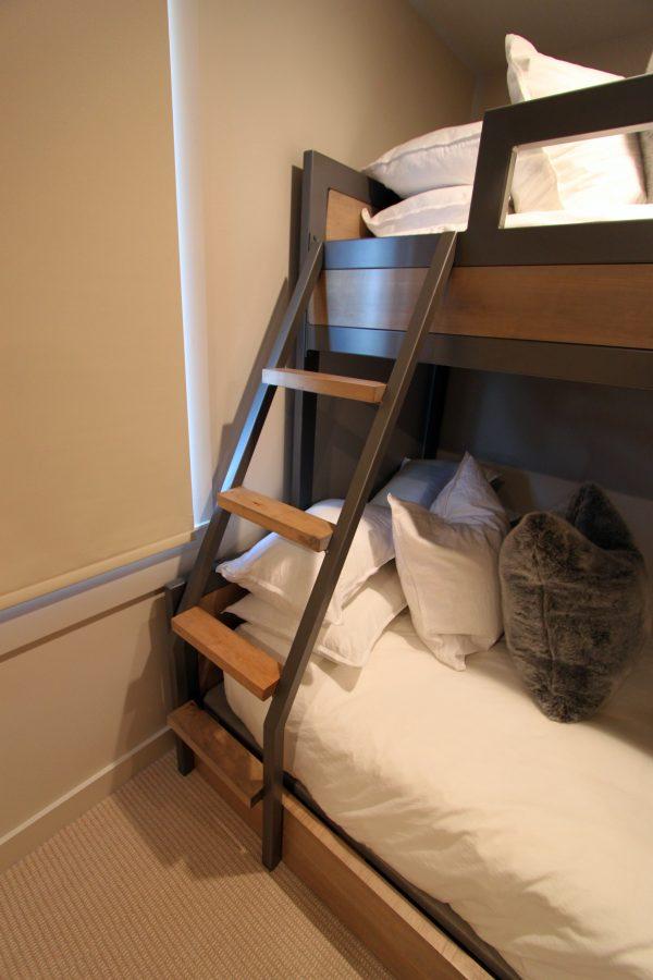 Metal-Alder-Bunks-Ladder