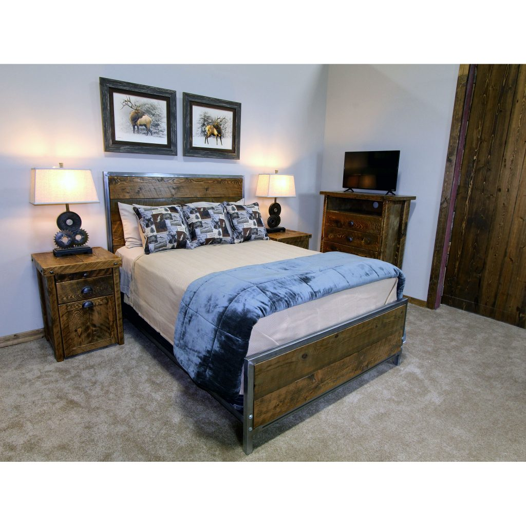 Industrial_Metal_And_Wood_Frame_Bed_2
