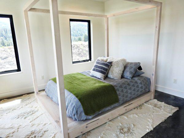 modern-alder-canopy-bed-2