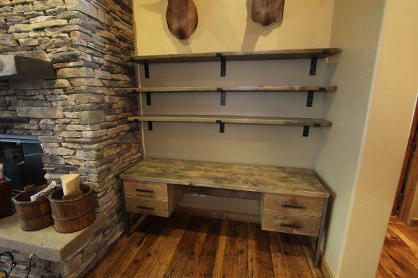 desk-mtl-legs-w_shelves-rs-1